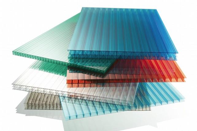 Новый материал на нашем рынке известен, как поликарбонат