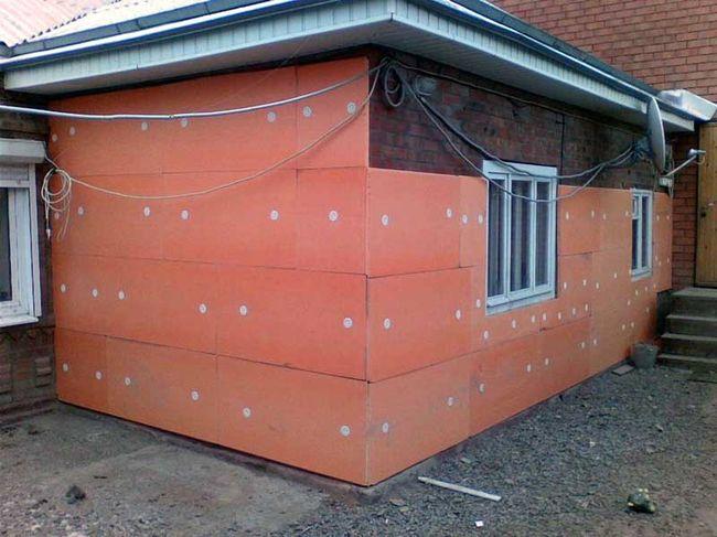 Утепление стены пеноплексом