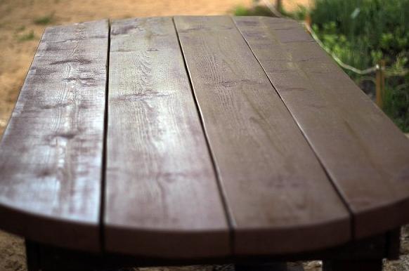 dachnyy-stol