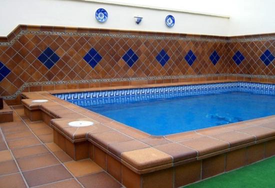 Применяется в бассейнах