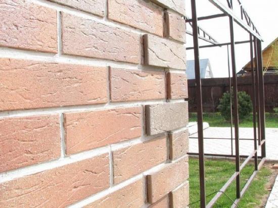 Термопанели можно монтировать на стены в любом состоянии, независимо от качества поверхности