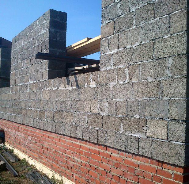 Стена из арболитовых блоков