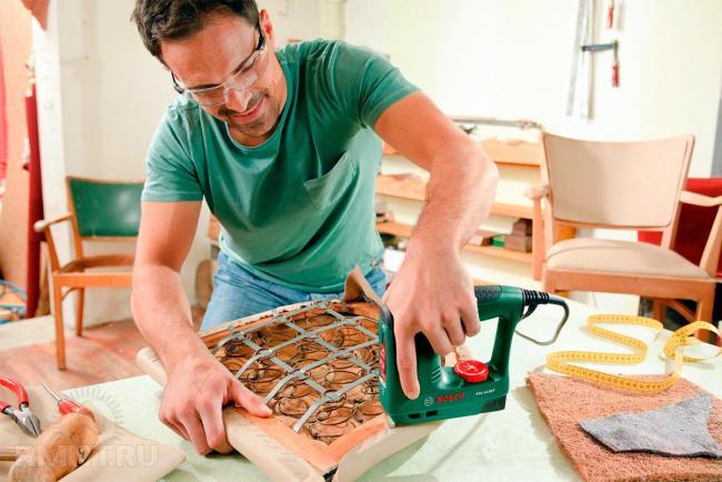 Безопасное проведение работ со степлером
